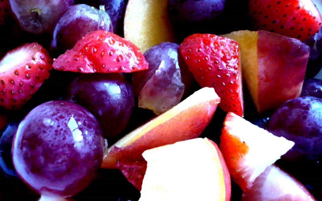 Salada de Nectarina, Uva e Morango