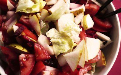 Salada de Pêra e Beterraba com Alface e Tomate