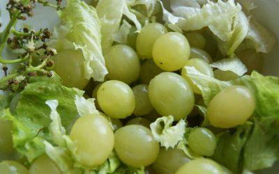 Receita Fácil de Alface e Uva Branca